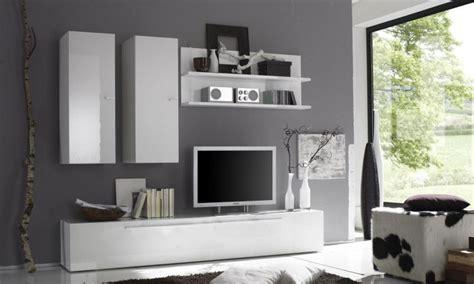 mobile soggiorno bianco parete soggiorno design minimal con porta tv a terra e