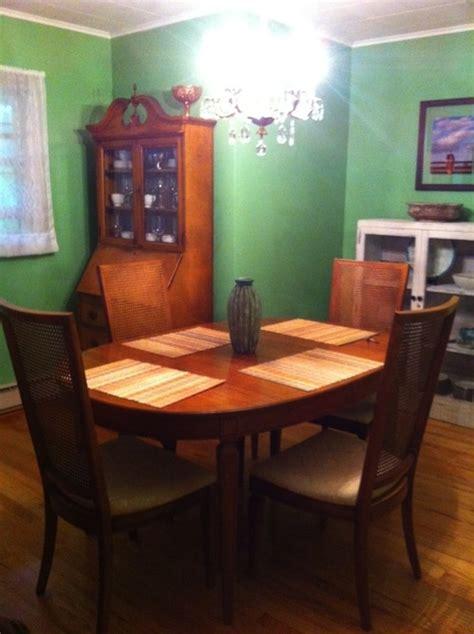 behr paint color laurel leaf living room and dining room paint behr geranium leaf