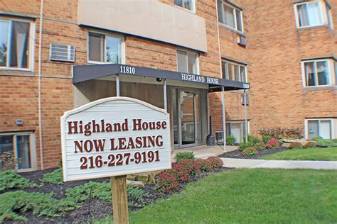 Highland House Apartments by Highland House Apartments Lakewood Oh Apartment Finder
