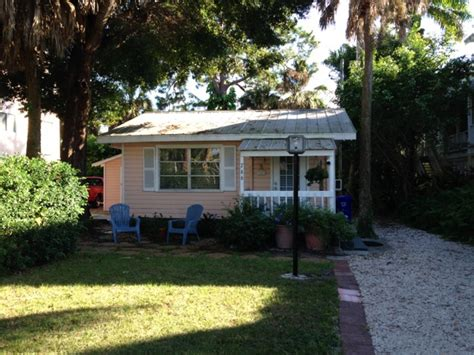 Florida Cottage by Tiny Pink Cottage In Florida
