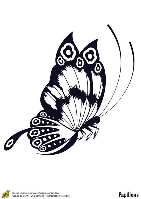 Coloriage Papillon En Vol Sur Hugolescargot Com