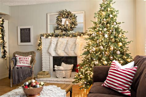 simple christmas home decorating ideas 15 simple decorating ideas for christmas youne