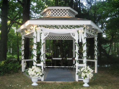 Wedding Gazebo Wedding In Rural Wisconsin River Inn