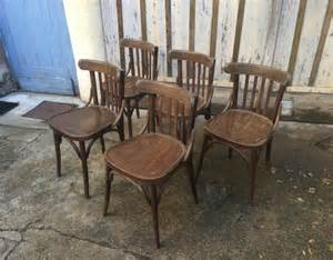 lot 60 chaises bistrot type baumann thonet