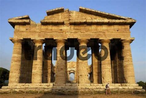 greco roman architecture ruins of greco roman architecture paestum province of
