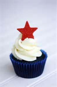 red white and blue velvet 4th of july cupcakes super cute sweets