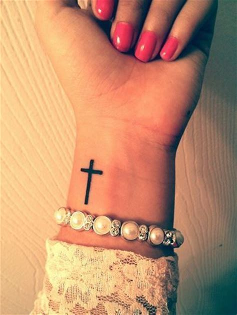 tattoo over wrist veins 25 best ideas about unique small tattoo on pinterest