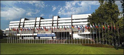 sede della corte di giustizia europea migranti bordo pd ue sostenga economicamente enti