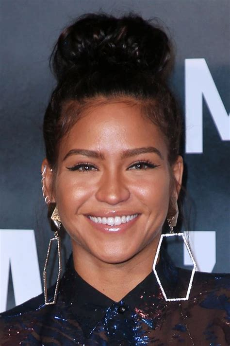 cassie ventura s hairstyles amp hair colors steal her style
