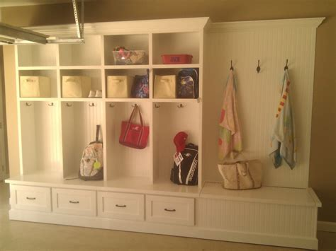 interior design custom wooden mudroom locker