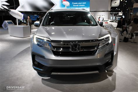 Honda Suv 2020 by 2020 Honda Pilot Suv At The 2019 New York Auto Show