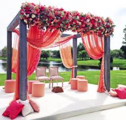 Flower Decor Simply Chic Wedding Flower Decor Ideas Modwedding