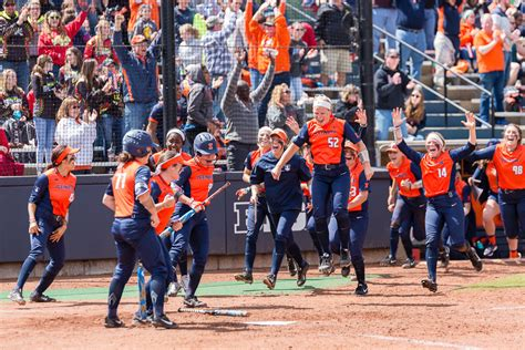 the daily illini breaks home run record as