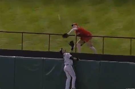franklin gutierrez robbed by rangers fan of robbing a j