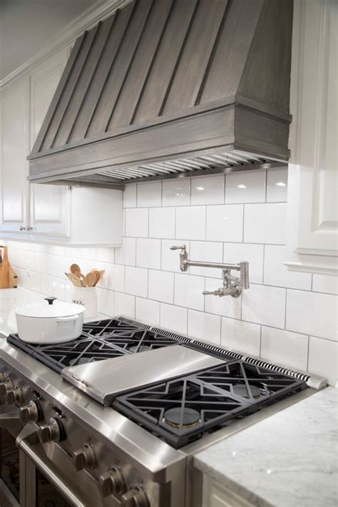 kitchen vent hood ideas 25 best ideas about wood range hoods on pinterest range