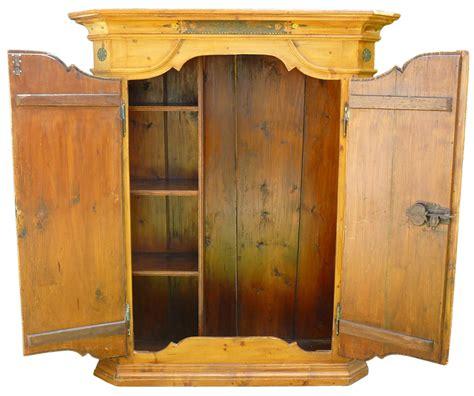 armadi tirolesi armadio tirolese in legno di abete dipinto floreale