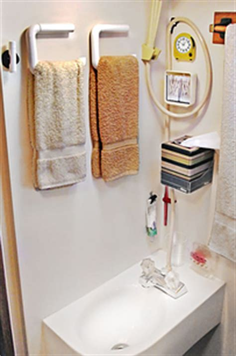 Rv Bathroom Storage 44 Cheap And Easy Ways To Organize Your Rv Cer