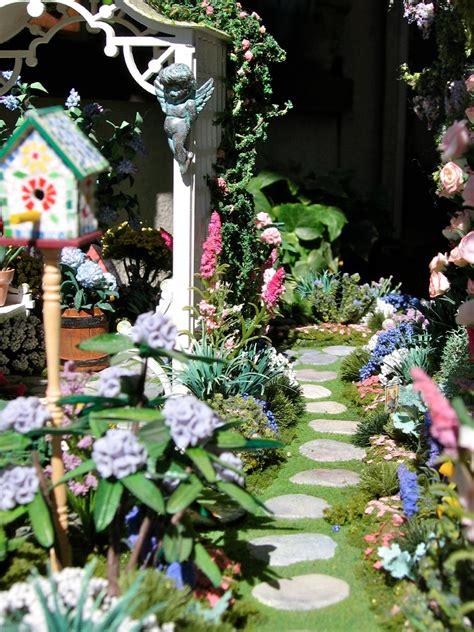dollhouse garden blukatkraft dollhouse miniatures conservatory and garden