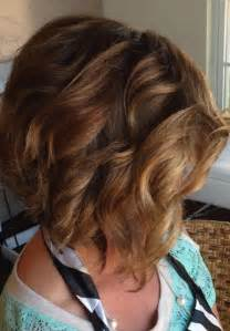 how to stlye a stacked bob with wavy hair 12 stacked bob haircuts short hairstyle trends popular