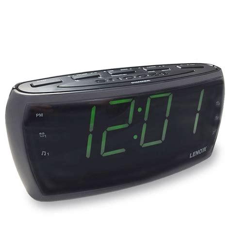 lenoxx cr85 alarm clock radio 1 8 large display clock r