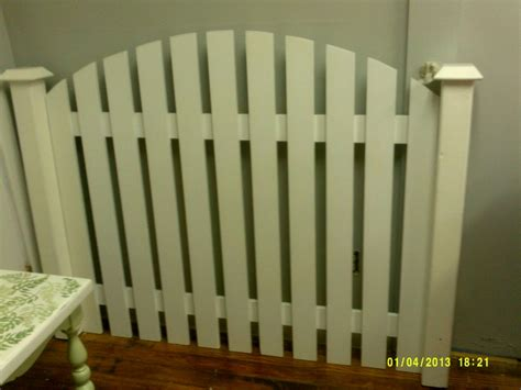 white picket fence headboard queen size picket fence headboard 165 www