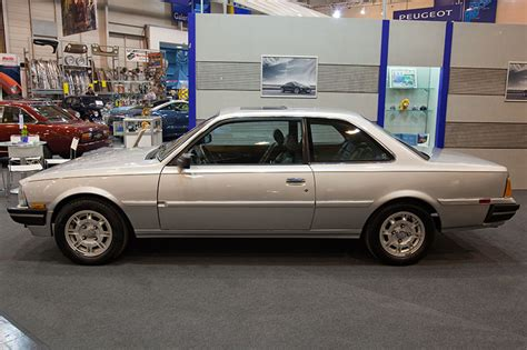 Foto Peugeot 505 Coup 233 Turbo Us 4 590 X 1 720 X 1 450 Mm