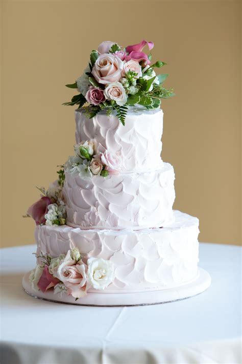 love  homemade  wedding cake  fact