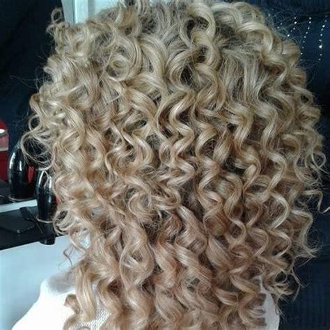 thin hair to spiral perm sweet spiral perm hair cutting techniques pinterest