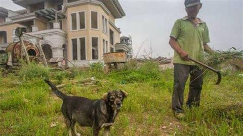 Kisah Ketemu Hantu Di 13 Kota Part 2 U2610 luar biasa cuma ditemani anjingnya begini kisah pak tua yang sendirian jaga kota hantu di