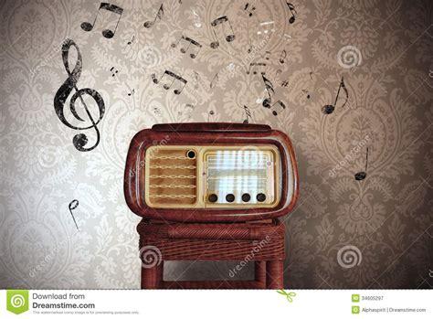 imagenes radio retro notas de la m 250 sica del vintage con la radio vieja