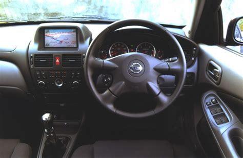 Nissan Almera Hatchback (2000   2006) Photos   Parkers