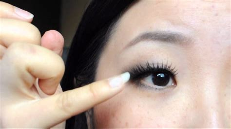 eye lash extension for old asian women 用假睫毛撑出外双 from monolids to double lids by using fake lashes