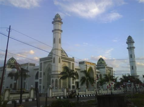 by agung sutriyawan 2346 no comments masjid agung syuhada pelaihari bumi nusantara