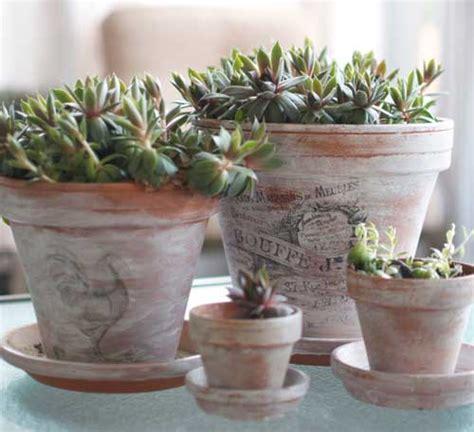 vasi shabby vasi di terracotta shabby chic fai da te 20 idee