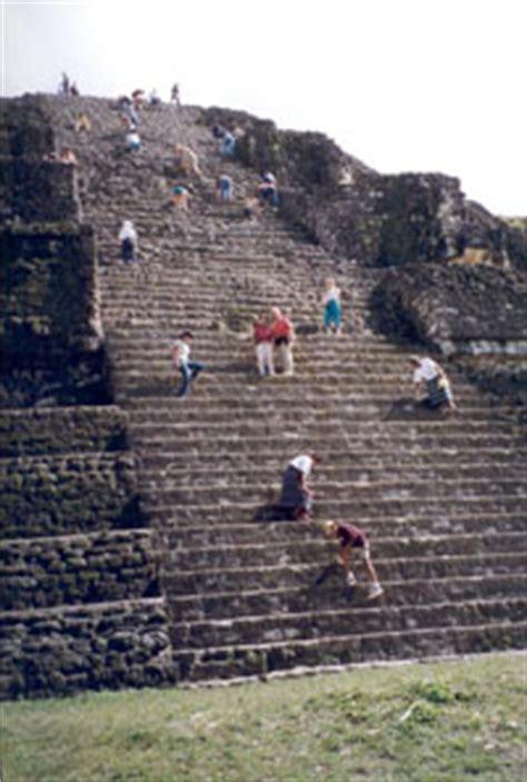 Q Calendario Usamos En La Actualidad La Arqueolog 237 A Y El Libro De Morm 243 N