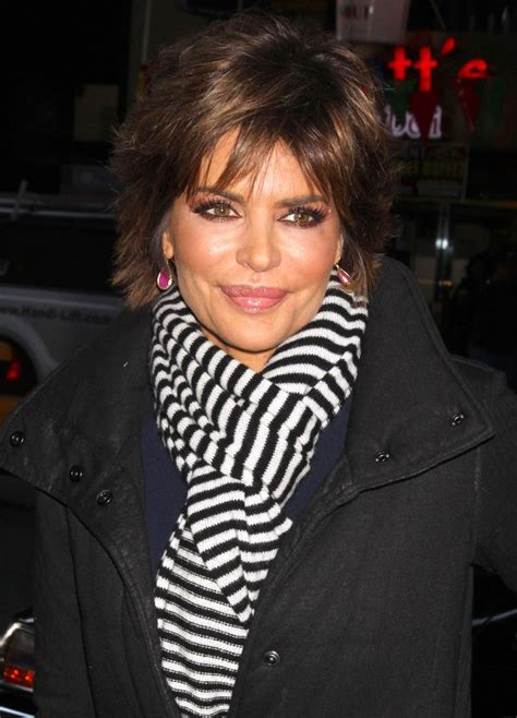 how does lisa rinnsblow dry her hair lisa rinna wears cute cut subtly styled for today show