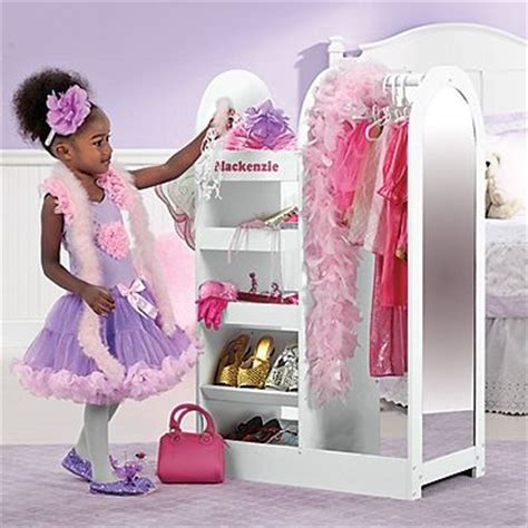 dress up dress up and wardrobes on
