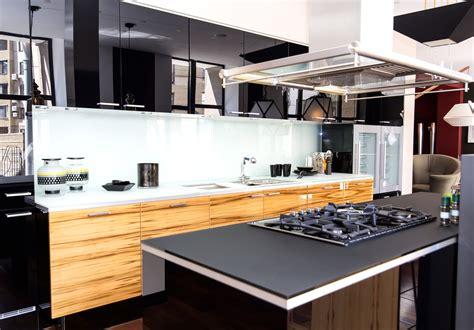 cocina moderna  encimera negra fotos   te
