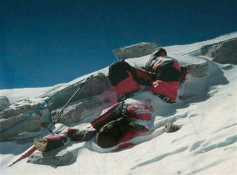 film everest wroclaw dead bodies on mount everest many perfectly preserved