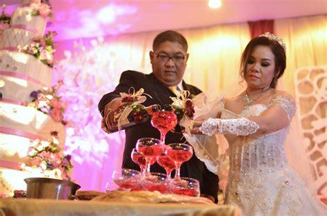 Promo Dress Pesta Pernikahan Penerima Tamu Murah susah cari tempat pesta pernikahan yang simple cek promo spesial di hotel ini sukoharjonews