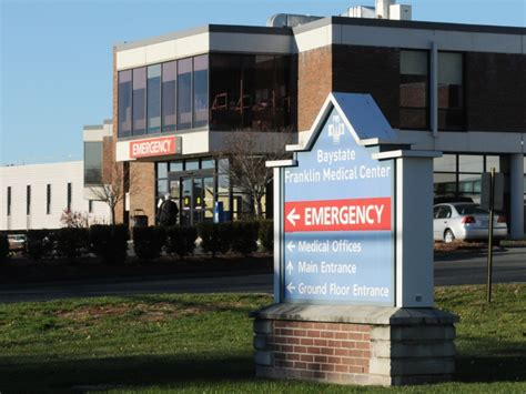 baystate center emergency room baystate nurses community members preview bargaining points