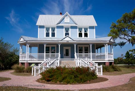 the big blue house shutter mike photography photo of the day big blue house