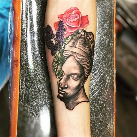 aphrodite tattoo best 25 aphrodite ideas on