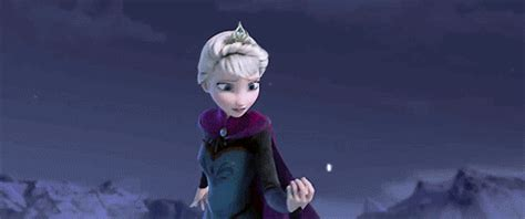 2013 film queen who sings let it go frozen scene let it go with idina menzel as elsa watch