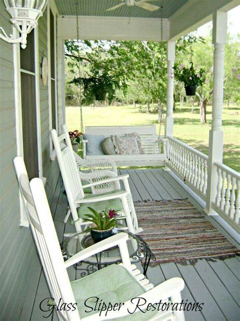 front yard swing 25 best ideas about front porch swings on pinterest