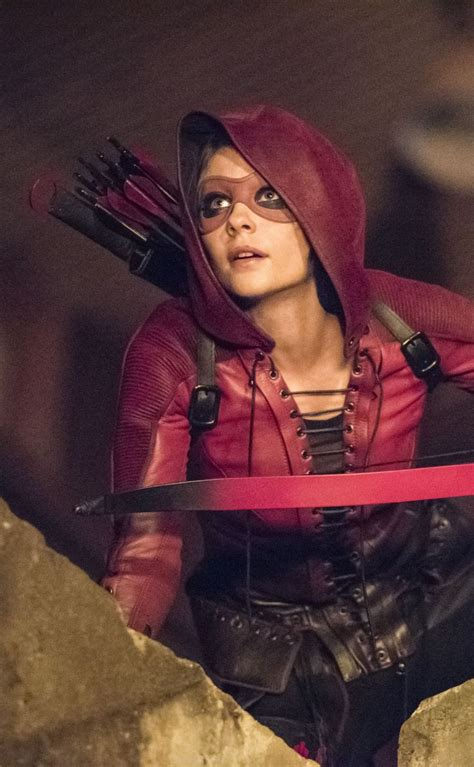 willa holland hair style in arrow 25 best ideas about thea queen on pinterest short hair