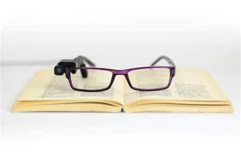 talking glasses to help maintain independence