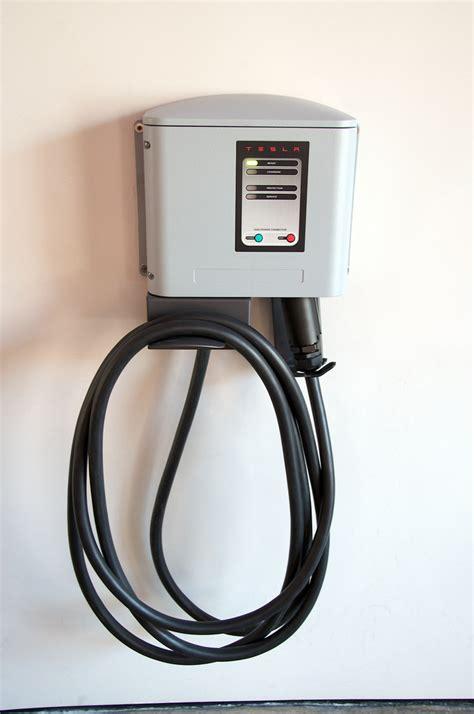 Tesla Home Charging Station Tesla Motors Software Update Addresses Charger Issues