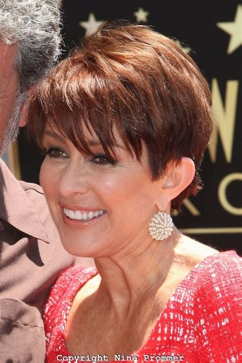 does patricia heaton wear a wig in the middle 25 best ideas about wedge haircut on pinterest short