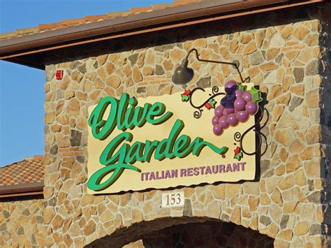 Olive Garden Images by Olive Garden S New Logo Business Insider